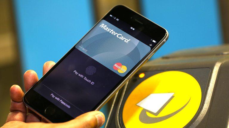 Как использовать Express Transit с Apple Pay на iPhone и Apple Watch