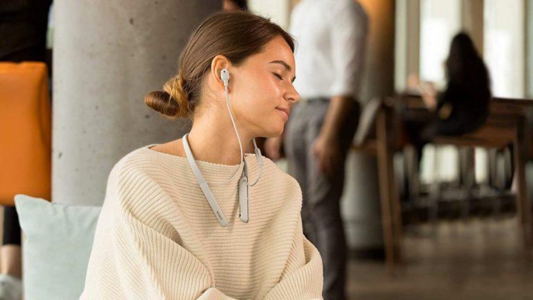 Лучшие наушники с шейным ободком Bluetooth в 2020 году