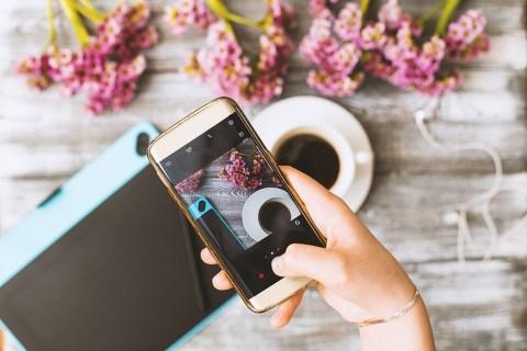 Как поделиться своими постами в Instagram с вашей историей